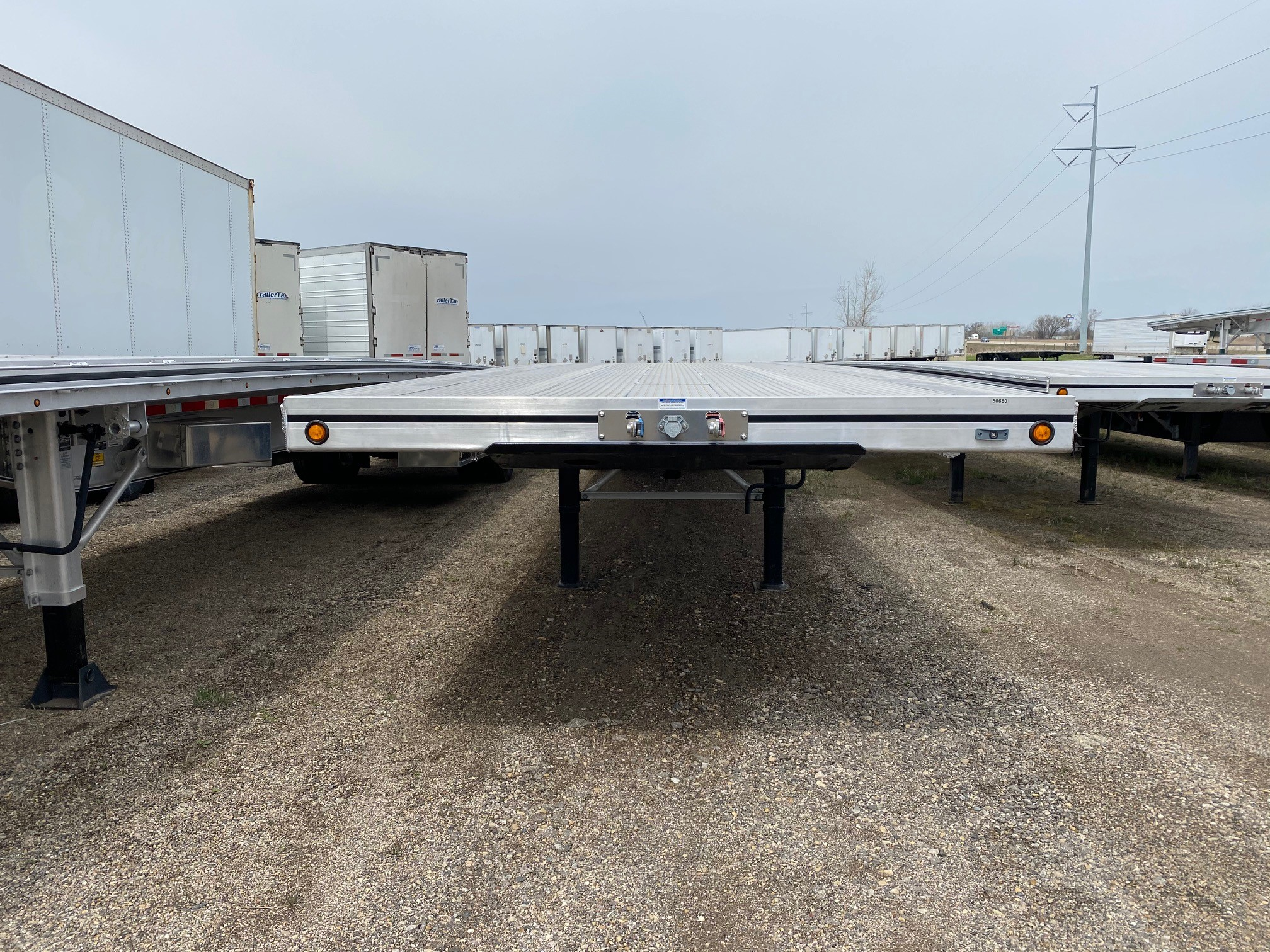 2020 MAC TRAILER FLATBED (NEW Trailer)